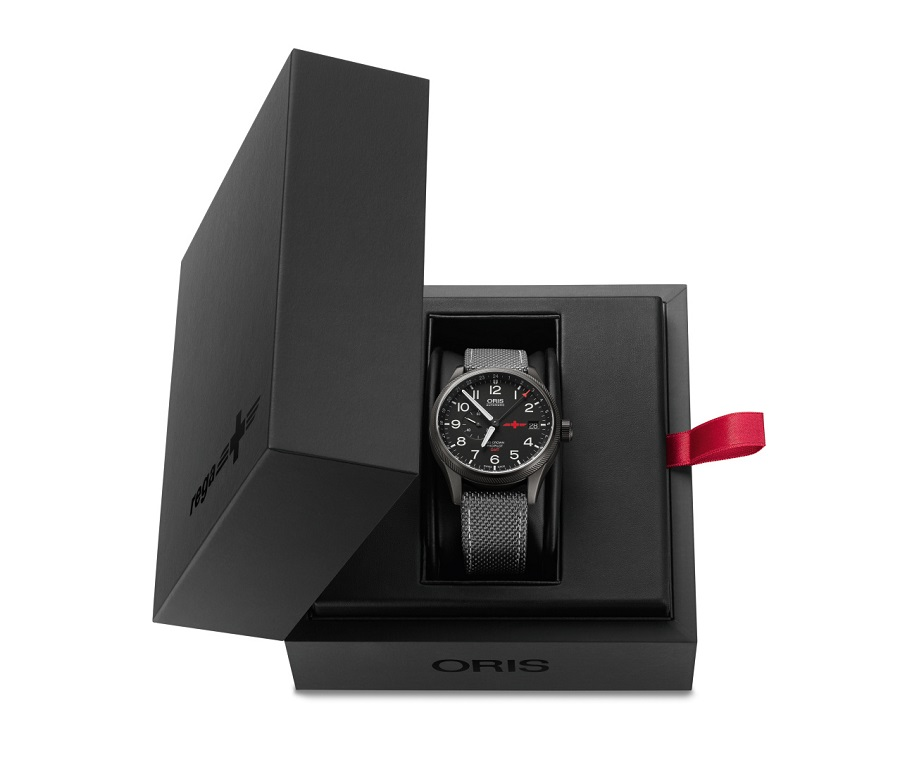 01 748 7710 4284 Set Oris GMT Rega Limited Edition LowRes 7517